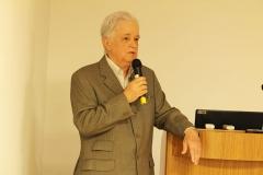 Dr. Roberto Barros