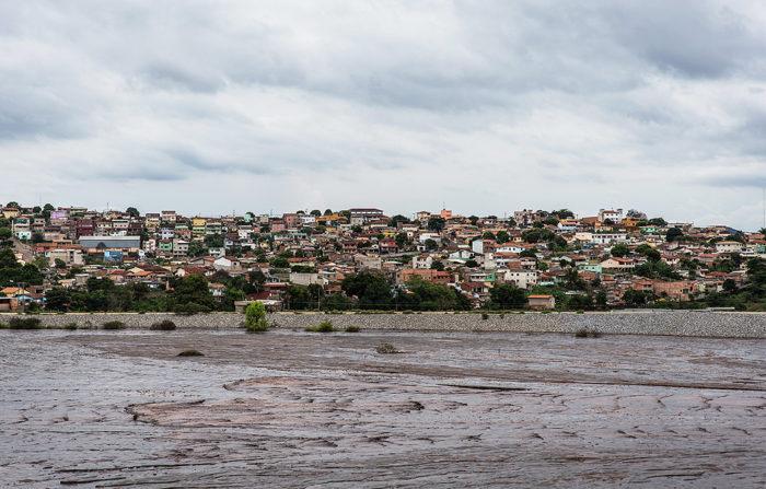 Dúvida sobre segurança de barragem pode provocar remoção de 4 mil habitantes em Itabira