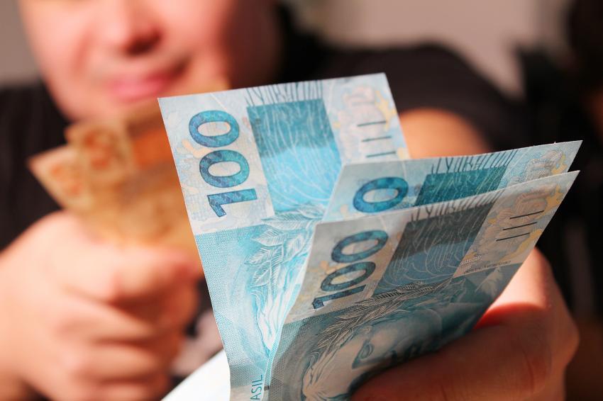 Com sobra de R$ 14 bilhões, governo só pode usar parte dos recursos