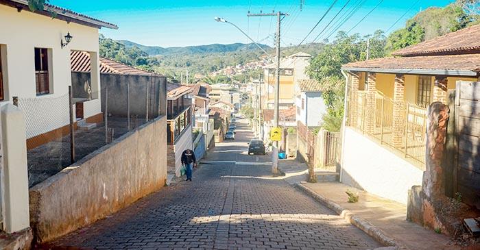 São Gonçalo – Prefeito Antônio Carlos assinaordemdeserviço pararevitalização do bairro Santana