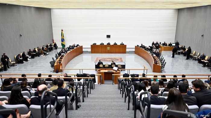 Justiça – STJ decide restringir foro privilegiado de governadores