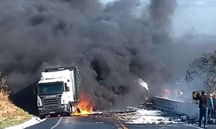 Engavetamento na BR-251 – 'Motorista de ônibus evitou tragédia ainda maior', afirma Polícia Rodoviária Federal