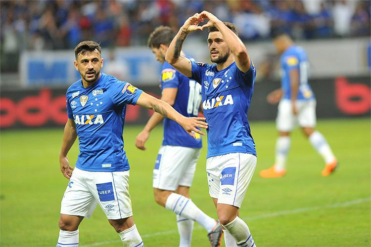Cruzeiro empata com Atlético-PR no Mineirão e se classifica para as quartas de final da Copa do Brasil