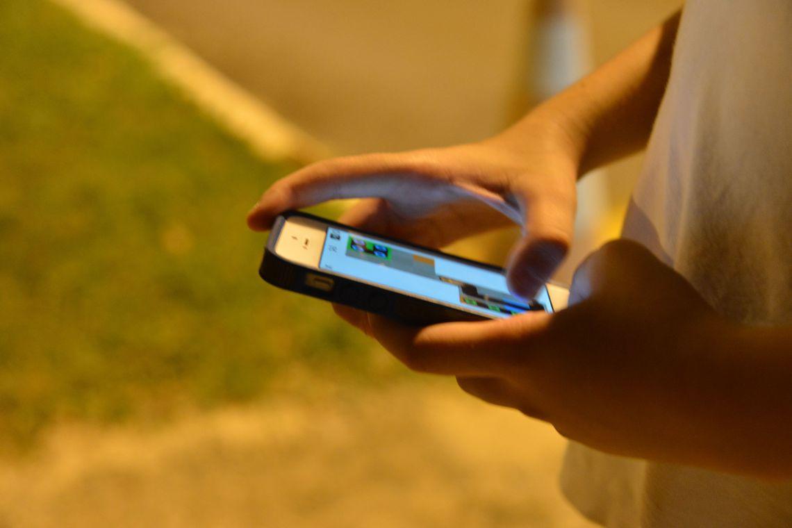 ANTES DO TEMPO – Usuários relatam que celulares foram adiantados para o horário de verão na madruga deste domingo