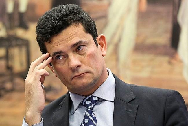 Contra 'exploração eleitoral', Moro muda interrogatório de Lula para novembro