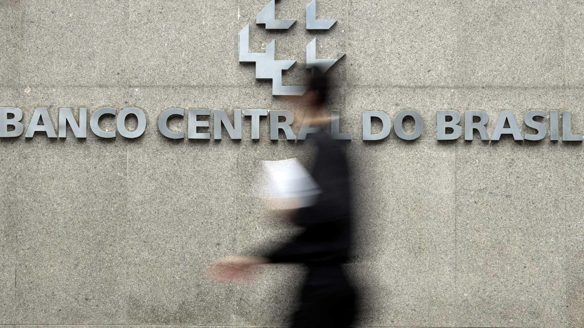 BC deve aguardar votação da nova Previdência antes de reduzir juros