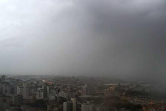 Belo Horizonte e outras cidades podem ter mais um dia de chuva neste sábado