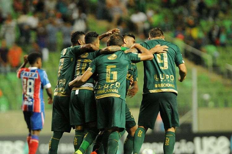 CAMPEONATO BRASILEIRO – América vence Bahia e depende apenas de si para  escapar do rebaixamento 0f9feda9ba29f