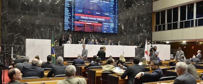 Assembleia aprova em 2º turno projeto que endurece regras para mineração em Minas