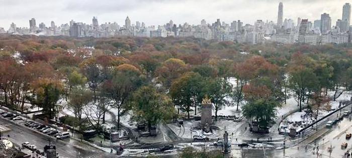 Tempestade de neve atinge Leste dos EUA, promove caos em NY e deixa 8 mortos