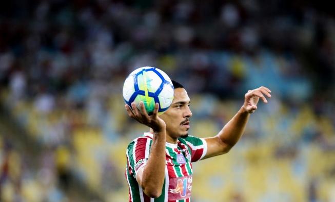 Lateral-direito Gilberto pode chegar ao Cruzeiro para disputar posição com  o experiente Edilson 6039ece056e3b