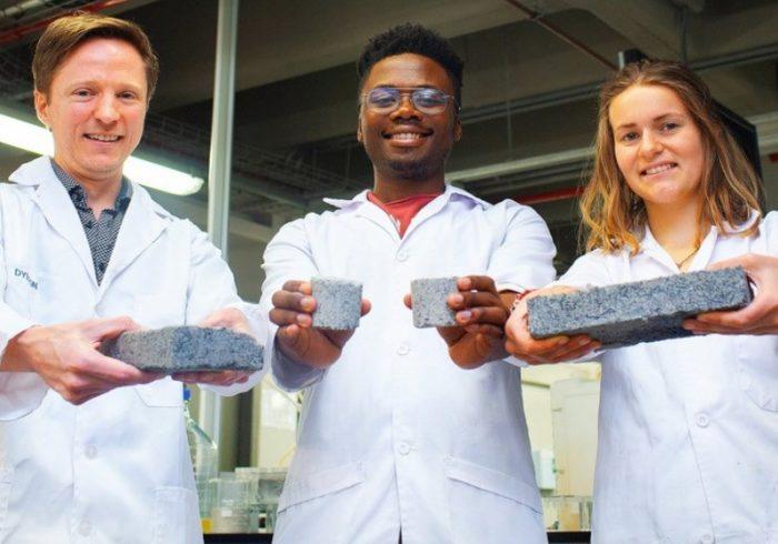 Novo tijolo feito de xixi é mais resistente e ajuda o meio ambiente