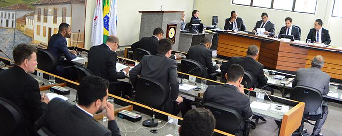POLÍTICA – Vereadores devem votar 10 projetos nesta terça-feira