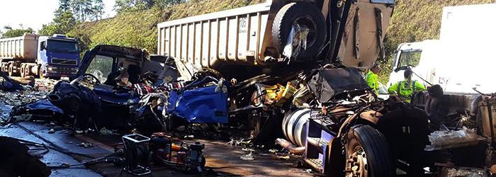 Tentativa de assalto provocou acidente com morte na BR-040, em Itabirito