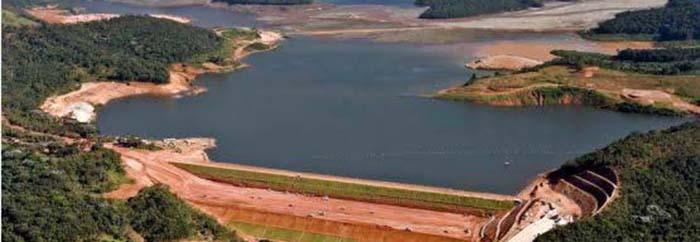 Bombeiros fazem evacuação preventiva em Macacos por risco de rompimento de barragem