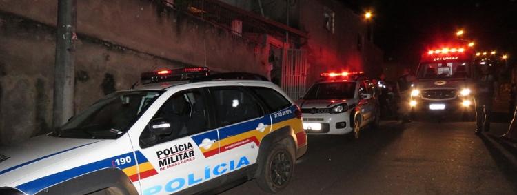 TRÁFICO DE DROGAS – PM apreende 365 buchas de maconha, munição e pasta base de cocaína no bairro Pedreira