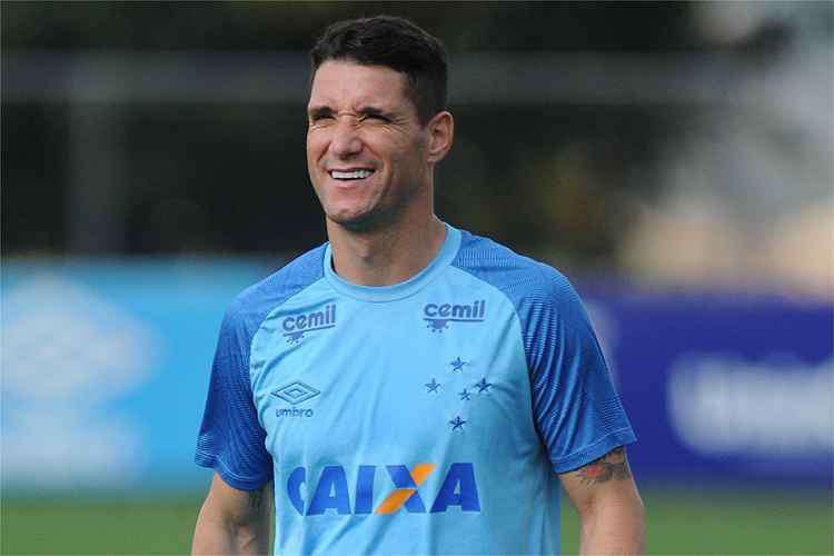 Fred recuperado, Thiago Neves em campo e 'estreia' de Marquinhos Gabriel: o treino do Cruzeiro