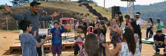 FCCDA e o músico Juninho Ibituruna promovem oficina de percussão para crianças no próximo sábado