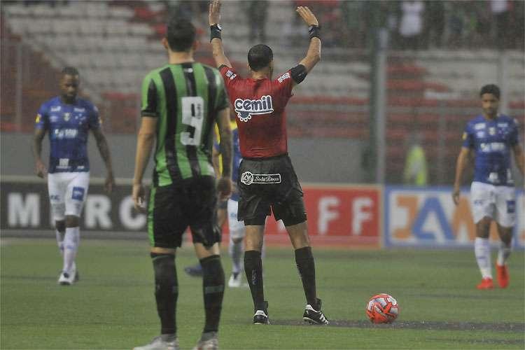 CAMPEONATO MINEIRO – Sem inspiração, América e Cruzeiro empatam e deixam liderança para o Atlético