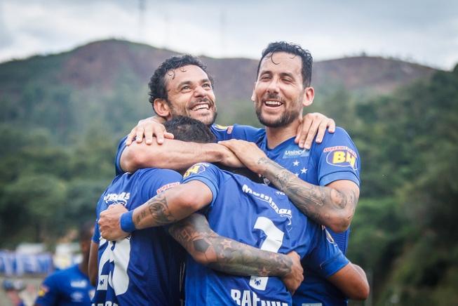 MINEIRO – Cruzeiro vence Villa Nova por 3 a 0 e Fred marca outra vez ... 30a073d7c9403