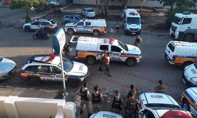 NOVA ERA – Polícia Militar desmantela a prática de tráfico de drogas no bairro Manjhai