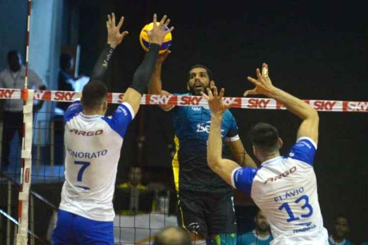 SUPERLIGA MASCULINA DE VÔLEI – Minas é batido pelo Sesc no Rio e terá que vencer em casa pelas quartas de final da Superliga