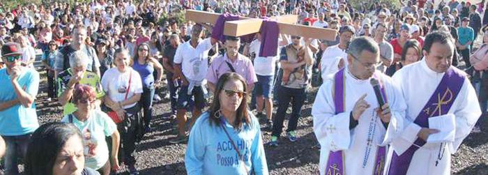 Sermão contra as mineradoras marca Sexta-feira da Paixão no santuário de Nossa Senhora da Piedade