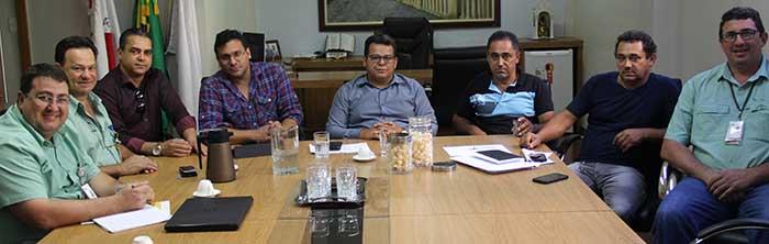 Presidente da Câmara media reunião entre carreteiros autônomos e a Vale