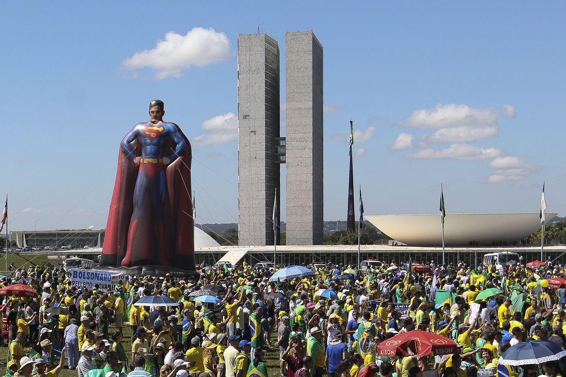 Atos em apoio ao governo Bolsonaro ocorrem em diversas cidades do país