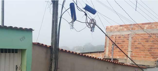 Polícia Militar prende jovens por furto de cabo de telefonia no bairro Juca Batista