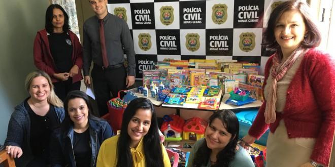 Prefeitura recebe brinquedos arrecadados em campanha para atendimento às vítimas de violência sexual