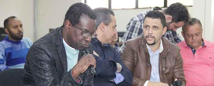Vereadores deliberam projeto que altera estruturação do Plano de Cargos e Carreiras de servidores da saúde